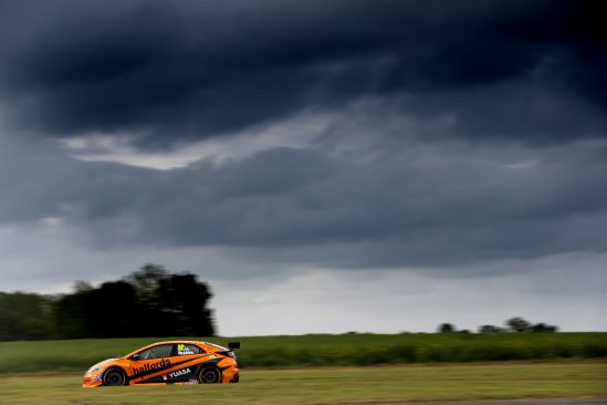 Yorkshire grit but no BTCC reward at Croft