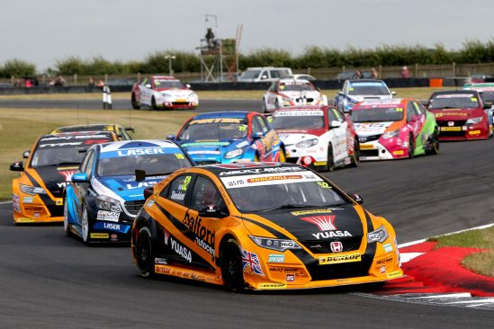Halfords Yuasa Racing return to winning ways at Snetterton