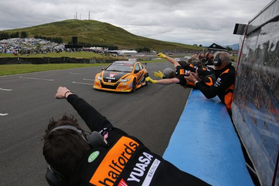 Superb Knockhill win keeps Matt Neal's title challenge on track