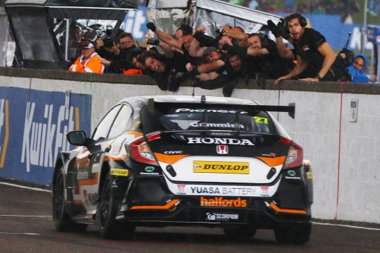 Cammish wins at Thruxton to boost Halfords Yuasa Racing BTCC title chase